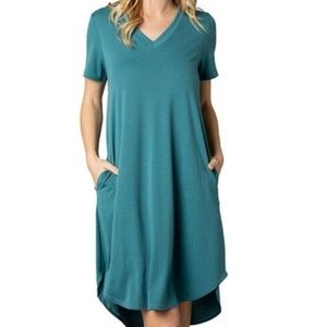 Women's Acting Pro V-neck dress with pockets XL